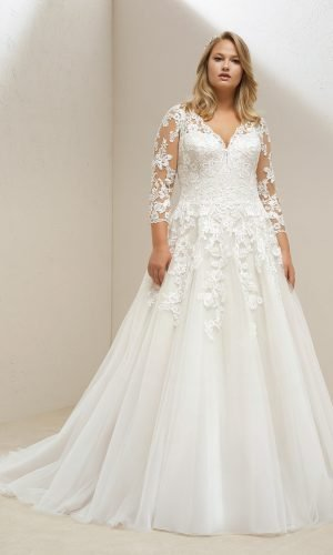 Venus Plus Size Gown Rental Singapore Wedding Dress SingaporeGownRental